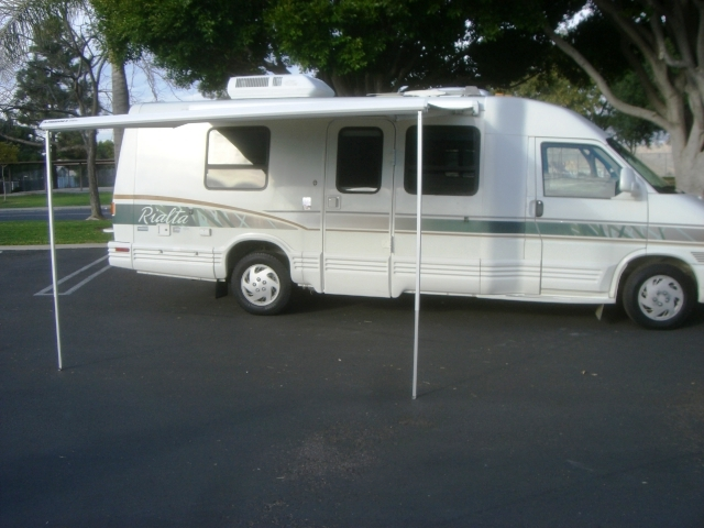1995 21 Winnebago Rialta Super Clean Low Reserve
